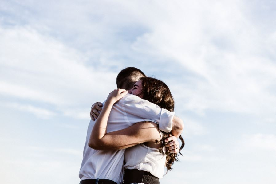 signs you are in the right relationship